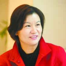 In March 2017 Zhou Qunfei took the crown as the richest (and youngest) female self-starter according to Forbes with a $7.4 billion personal fortune and the only person who didn't inherit her money among the top 20 richest women. From a humble beginning as a factory worker to today's prestige, the 47-year-old founder of Lens Technology has come a long way.