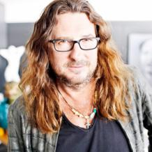 Jacques-Antoine Granjon is the founder and CEO of Vente-privee, the successful online flash-sale company. He reveals to Leaders League how one person's passion can fuel an entire organization.
