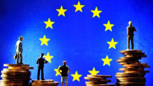 Juncker wants European Union finance minister, no separate euro budget or parliament
