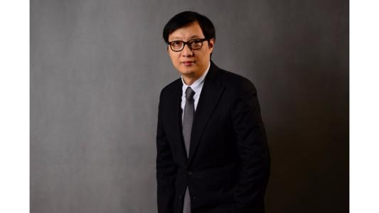 The career path of Warren Hua is typical of the new generation of elite Chinese lawyers: after accumulating experience with local law firms, he moved on to international firms and eventually co-headed the Beijing office of Gide Loyrette Nouel, before joining a leading Chinese law firm, JunHe. In this exclusive interview we talked about the recent reforms at the firm, the macro trends that potentially impact his clients, as well as the advice he'd like to give to young professionals.